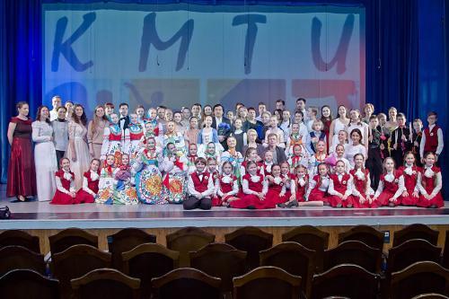 """Отчетный концерт """"Весна на Суздальской"""""""